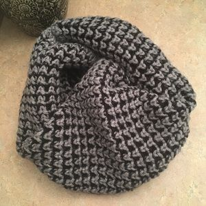Accessories - Chunky Knit Scarf - reversible